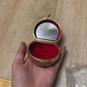 Accessories - Compact Mirror and Jewelry holder